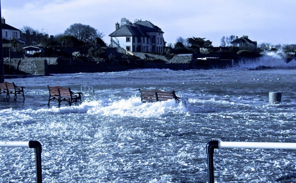 bullock-pier-swamped.jpg